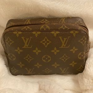 Louis Vuitton Trousse 18